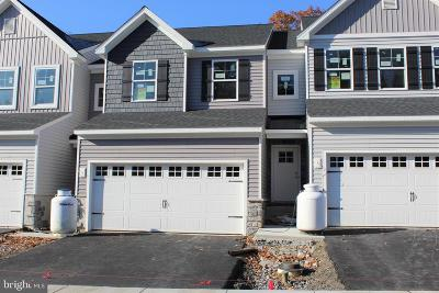 Camp Hill, Mechanicsburg Townhouse For Sale: 2 Woods Drive