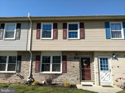 Cumberland County Townhouse For Sale: 1404 Pheasant Drive S