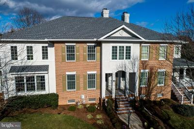 Downingtown Townhouse For Sale: 582 Gramercy Lane