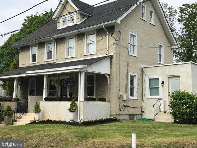 Berwyn Single Family Home For Sale: 71 Walnut Avenue