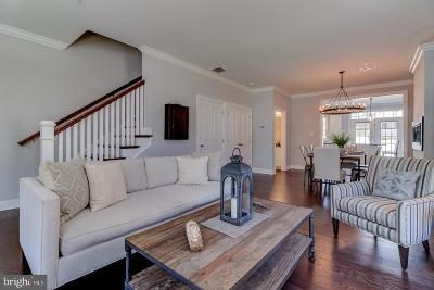 Kennett Square Townhouse For Sale: 627 W Magnolia Court