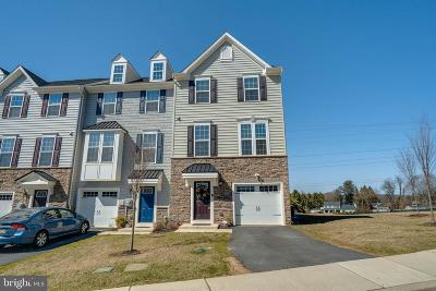Townhouse For Sale: 131 Cricket Drive