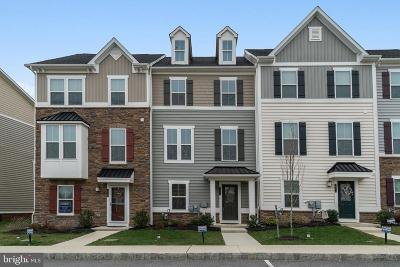 Townhouse For Sale: 221 Quarry Point Road
