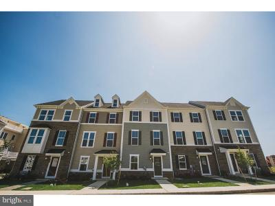 Townhouse For Sale: 140 Holywell Drive