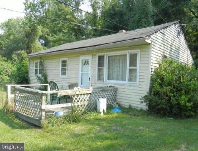 Coatesville Single Family Home For Sale: 3 Johnston Street