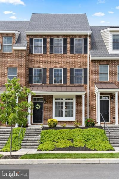 Kennett Square Townhouse For Sale: 621 W Mulberry Street
