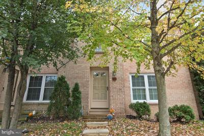 Chesterbrook Townhouse For Sale: 22 Rampart Drive