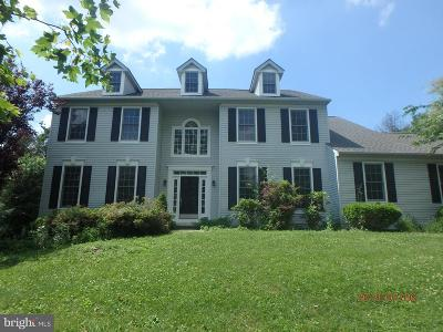 Chester Springs Single Family Home For Sale: 9 N Iroquois Lane