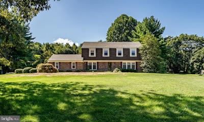 West Chester Single Family Home For Sale: 908 Pineview Drive