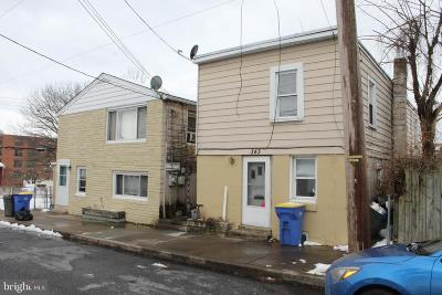 Middletown Single Family Home For Sale: 343 & 351 Lawrence Street