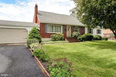 Middletown Single Family Home For Sale: 817 Adelia Street