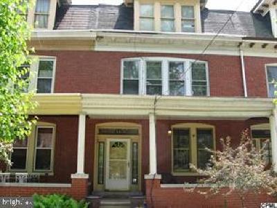 Harrisburg Townhouse For Sale: 221 Emerald Street