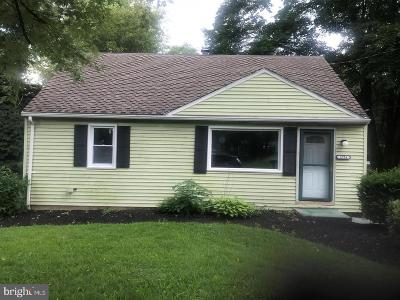 Dauphin County Single Family Home For Sale: 1721 Glenside Drive