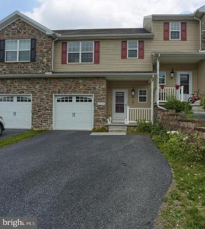 Dauphin County Townhouse For Sale: 2797 Monticello Lane