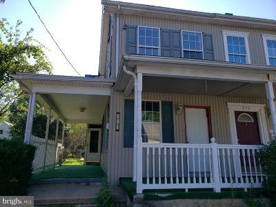 Middletown Single Family Home For Sale: 212 Adelia Street