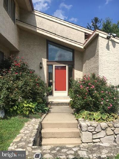 Broomall Single Family Home For Sale: 100 Diane Drive