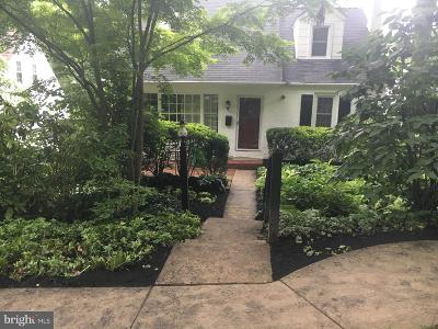Media Single Family Home For Sale: 103 W 8th Street