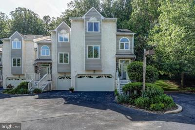 Newtown Square Townhouse For Sale: 512 Waters Edge