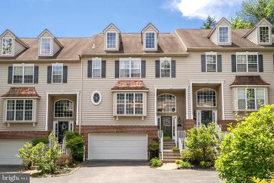 Newtown Square Townhouse For Sale: 110 Tanglewood Lane
