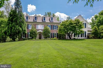 Newtown Square Single Family Home For Sale: 7 Harrison Drive