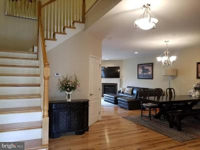 Newtown Square Townhouse For Sale: 205 Clermont Drive