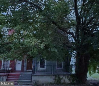 Chester Single Family Home For Auction: 604 W 7th Street