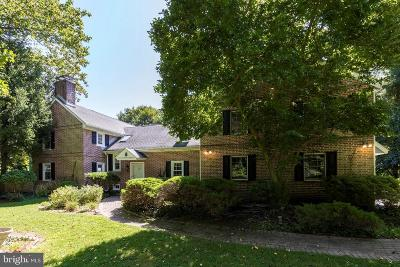 Media Single Family Home For Sale: 902 Winding Lane
