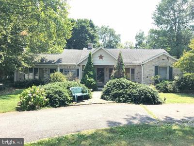 Chambersburg Single Family Home For Sale: 2200 Philadelphia Avenue