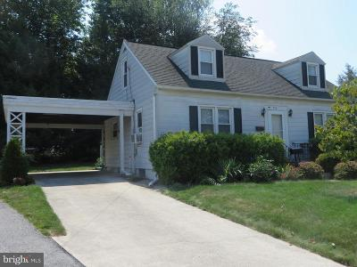 Chambersburg Single Family Home For Sale: 956 South Fifth