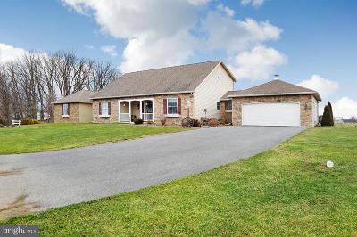 Chambersburg Single Family Home For Sale: 1042 Blueberry Lane