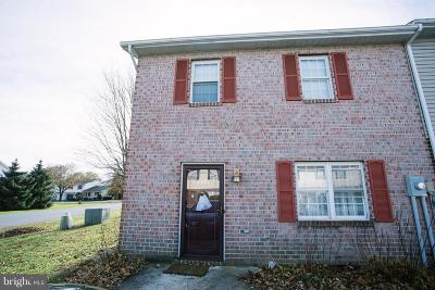 Chambersburg Townhouse For Sale: 2327 McCleary Drive