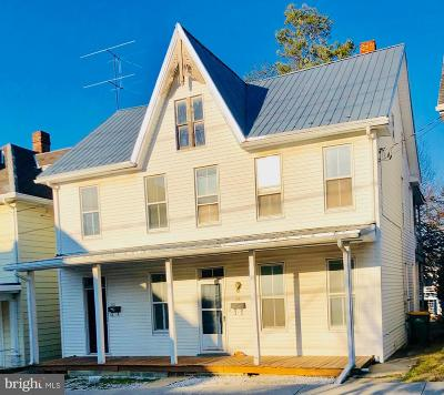 Waynesboro Multi Family Home For Sale: 251/253 West North Street