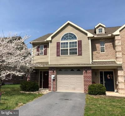 Chambersburg Single Family Home For Sale: 242 Meriweather