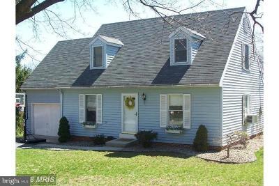 Chambersburg Single Family Home For Sale: 40 Linoak Road