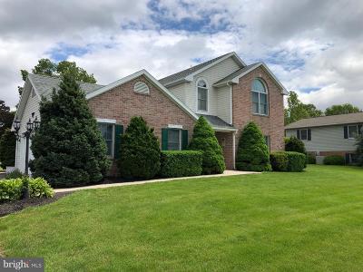 Chambersburg Single Family Home For Sale: 610 Mahantango Drive