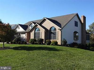 Fayetteville Single Family Home For Sale: 7138 Fairway Drive S