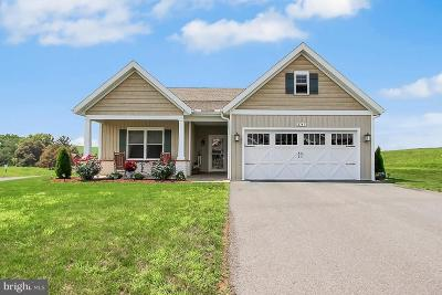 Fayetteville Single Family Home For Sale: 3747 Farmstead Drive