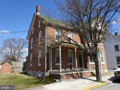 Greencastle Single Family Home For Sale: 216 Baltimore Street E