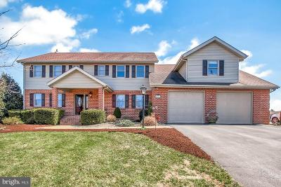 Chambersburg Single Family Home For Sale: 814 Cranberry Drive