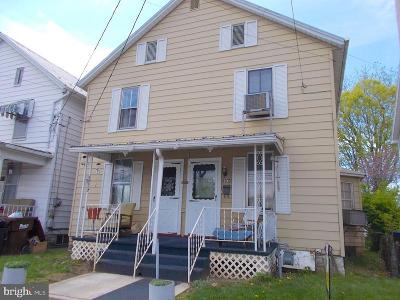 Mercersburg Single Family Home For Sale: 208 North Main Street