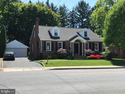 Chambersburg Single Family Home For Sale: 402 S Coldbrook