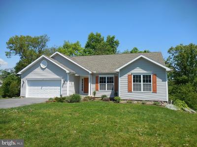 Chambersburg Single Family Home For Sale: 1773 Falcon Lane
