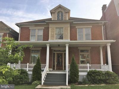 Waynesboro Single Family Home For Sale: 523 Main Street W