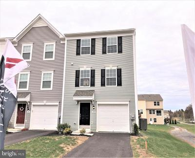 Fayetteville Townhouse Under Contract: 3559 Cedarbrook Court