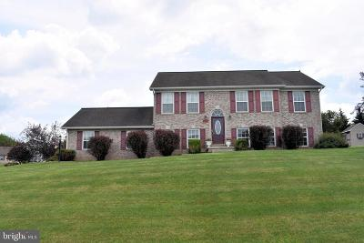 Chambersburg Single Family Home For Sale: 2130 Constitution