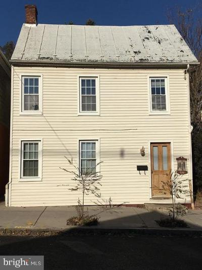 Chambersburg Single Family Home For Sale: 157 East Catherine Street