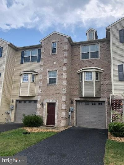 Chambersburg Single Family Home For Sale: 223 Meriweather