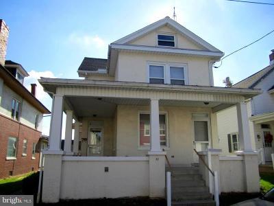 Manheim Single Family Home For Sale: 11 W Stiegel Street
