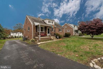 Lancaster PA Single Family Home For Sale: $234,900