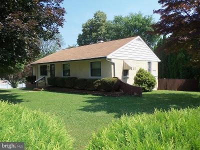 Lancaster PA Single Family Home For Sale: $174,900